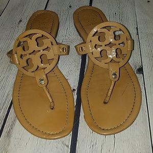 TORY BURCH sz 9 caramel colored sandals